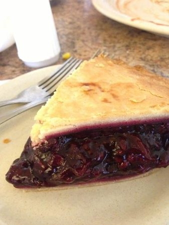Mrs. Knott's Chicken Dinner Restaurant : boysenberry pie
