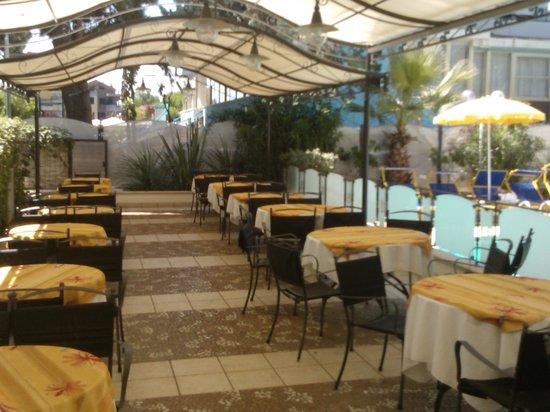 Hotel Bamby : area colazione