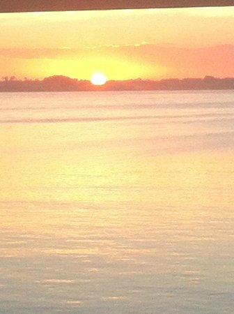 Abbekas Hotell och Hamnkrog : sunrise from our room