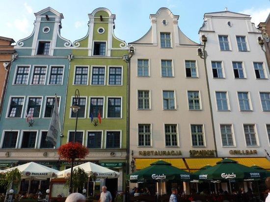 Holland House Residence Old Town : L'hôtel s'étend sur les 4 maisons