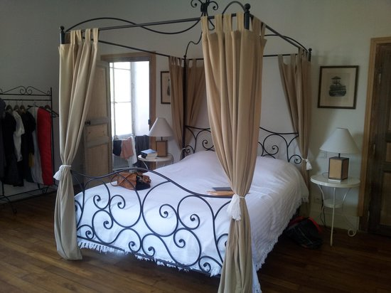 Chateau de Barbirey: superior kamer aan binnenplaats kant