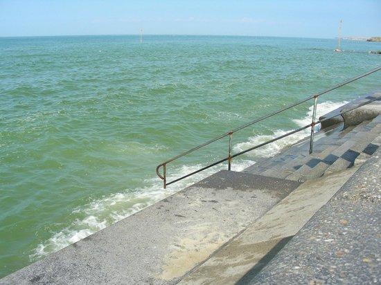 La Goelette: marée haute à Wimereux
