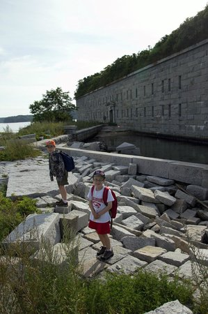 "Fort Gorges : The boys on the ""dock"""
