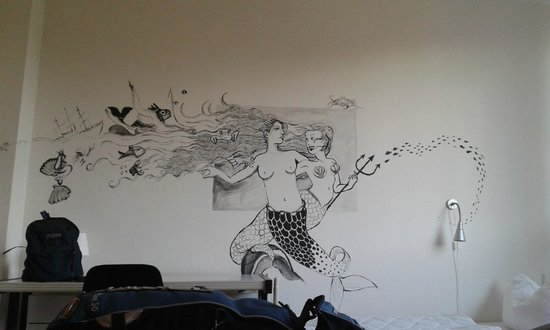 Hostel Stralsund : upper floor room decoration.