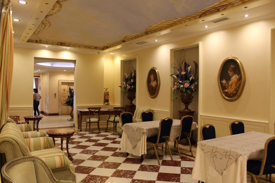 Andreola Hotel : salle petit déjeuner