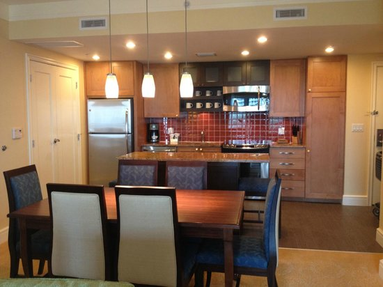 Marriott's Oceana Palms: kitchen