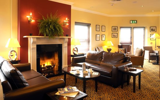 Vaughan Lodge: The Lounge
