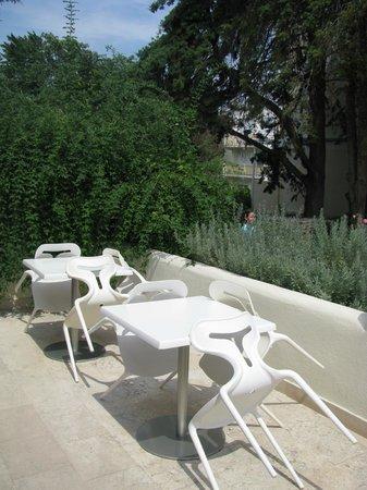 Waterman Svpetrvs Resort: terrasse devant le batiment