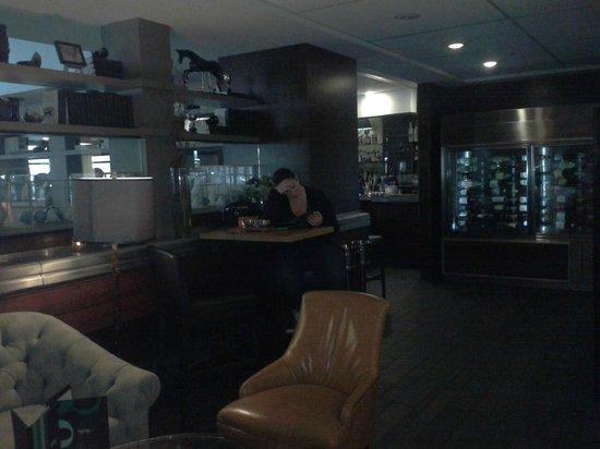 Hutton Hotel: Hotel Bar/Lounge