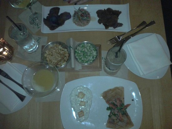 Hutton Hotel: Our late-night meal @ hotel bar