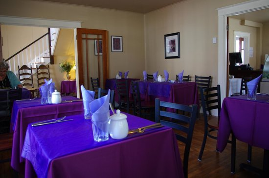 Bread and Olives Food Flair: Dining Room