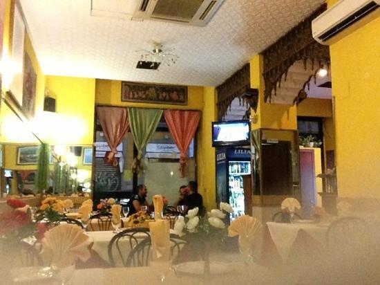 Ristorante Indiano: salle du restaurant