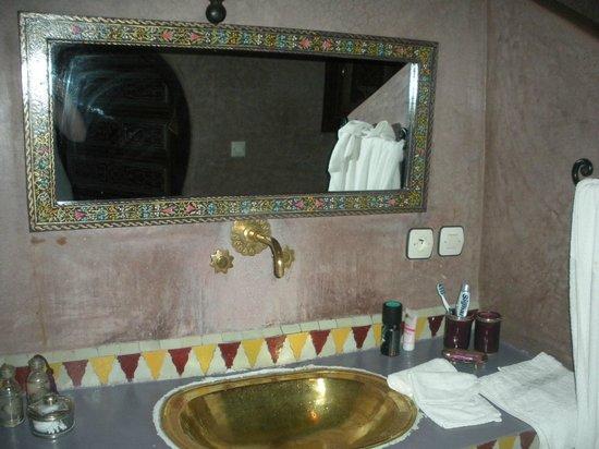 Riad Libitibito: Salle de bain Suite Oumkeltoum