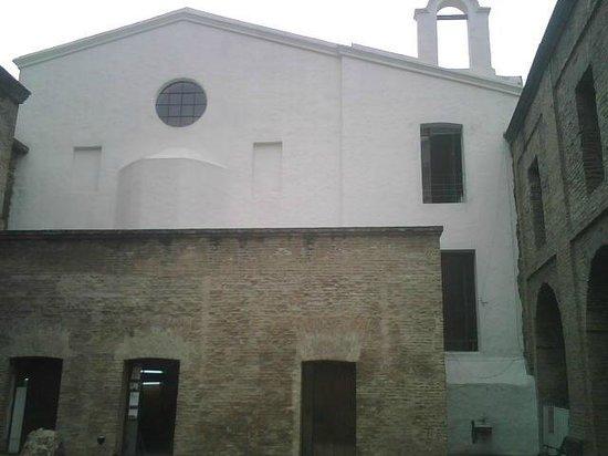 Parroquia de San Ignacio de Loyola : Parte posterior de la iglesia