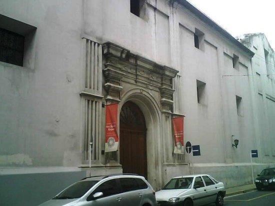 Parroquia de San Ignacio de Loyola : Lateral de la iglesia