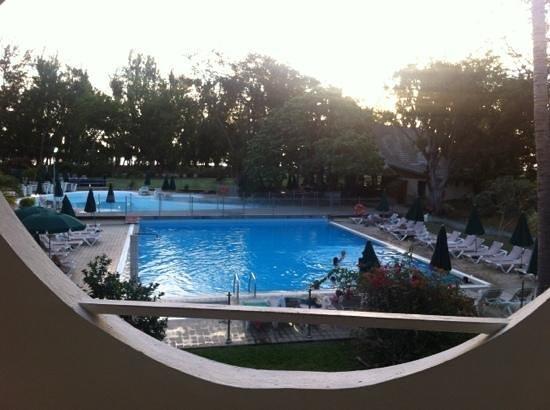 Piscine chauffer vu de la chambre photo de relais de l for Chauffer piscine gratuitement