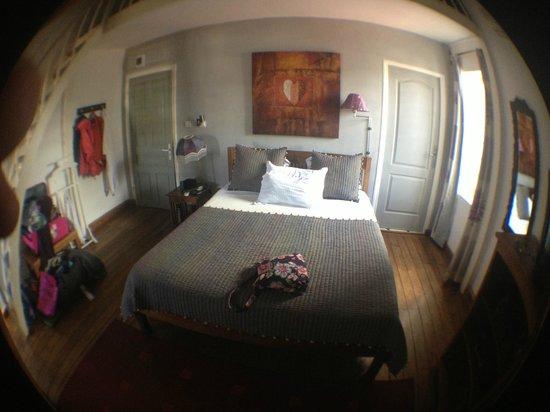 Le Pavillon de l'Emyrne: Tastefully appointed room