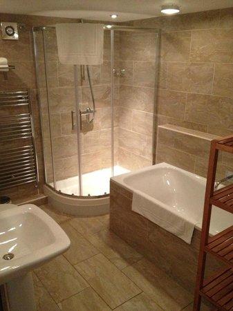 number 17 : Beautiful bath