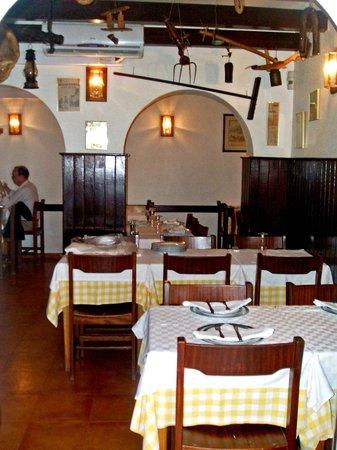 Restaurante O Caldo Verde: Vista do interior do Restaurante