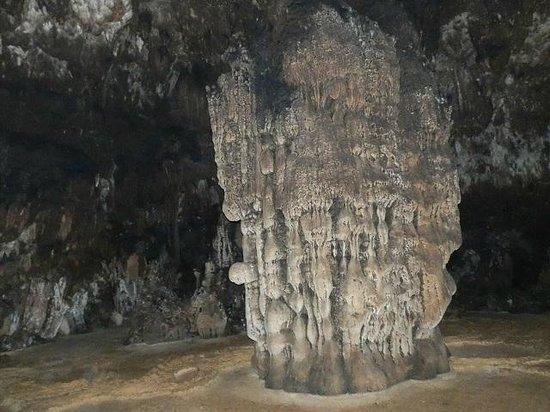 Tham Loup & Tham Hoi Caves: Tham Hoi