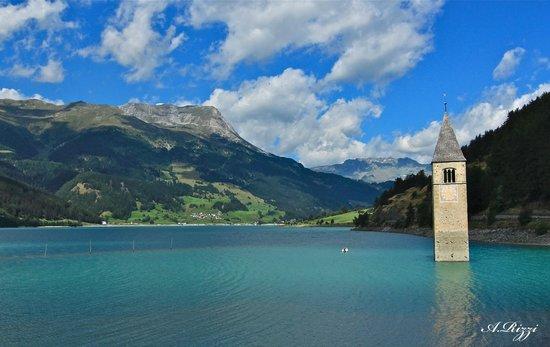 Curon Venosta, إيطاليا: Il campanile sommerso nel lago di Resia