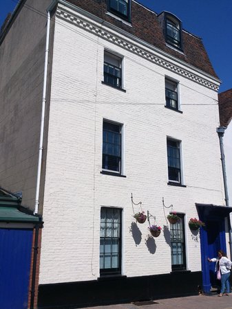 Grayling House Bed & Breakfast: Grayling House: exterior facade (upper floors)