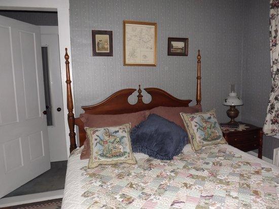 Benjamin Prescott Inn: This used to be my parents' bedroom