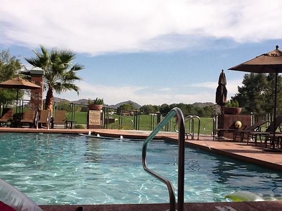 Embassy Suites by Hilton Phoenix-Scottsdale: pool