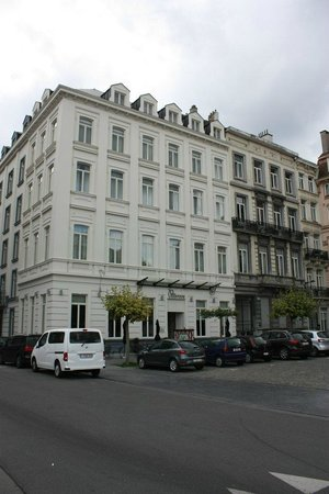 Sandton Hotel Pillows Brussels: L'hotel da place Rouppe