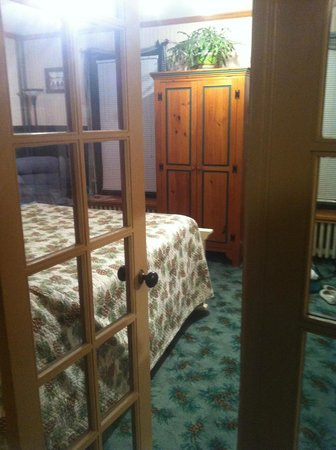 Spruce Lodge Bed and Breakfast: Room