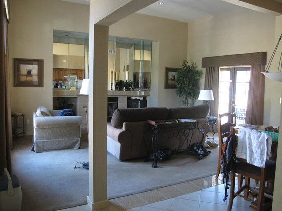 Stallion Springs Resort: Large living room