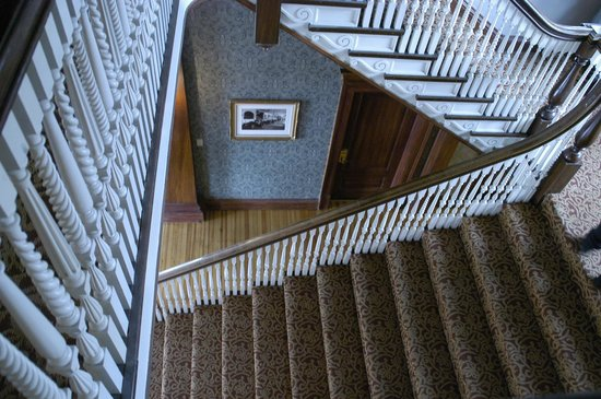 Stanley Hotel: Grand Staircase