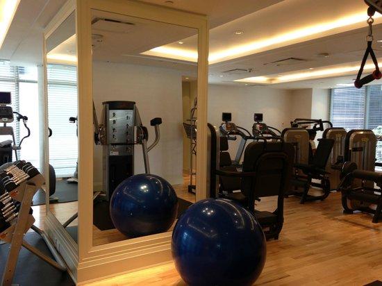 Rosewood Hotel Georgia: Gym