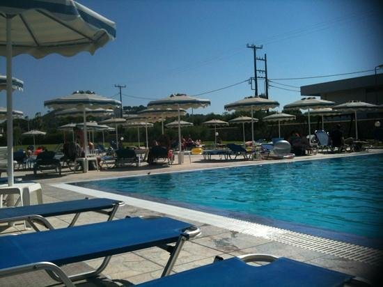 Emerald Hotel : one of the 3 pools , lovely and cool after lying in the sun !