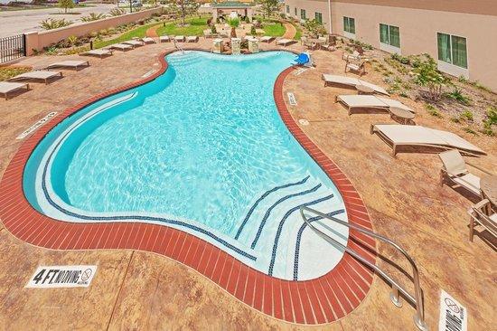 Hilton Garden Inn Midland Hotel Pool
