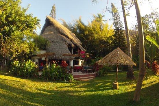 Yelapa Oasis: Gardens and restaurant