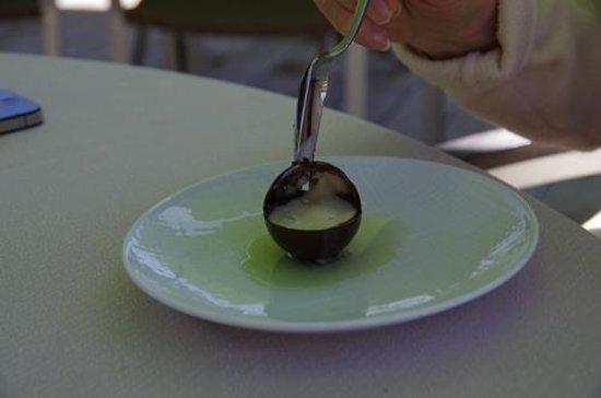 Restaurant Jean Sulpice : Mignardise au chocolat et à la chartreuse
