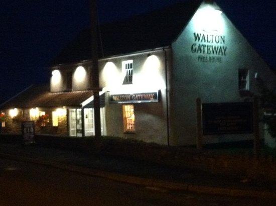 The walton gateway : Walton Gateway at night