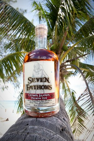 George Town, Grand Cayman: Seven Fathoms Rum