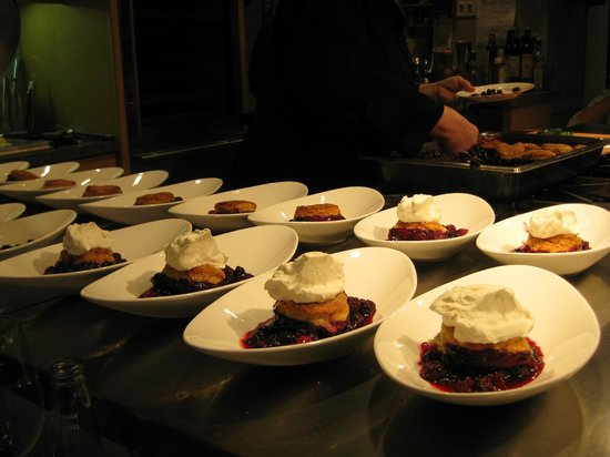 EVOO Cannon Beach Cooking School: Fresh berry cobbler, with home made everything!