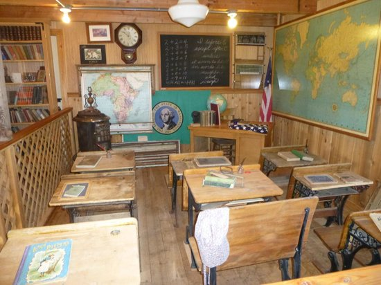 Shafer Historical Museum: Class Room Of The ByeGone Era