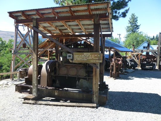 Shafer Historical Museum: Mining Equipments
