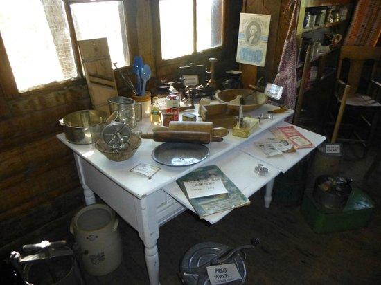 Shafer Historical Museum: Kitchen