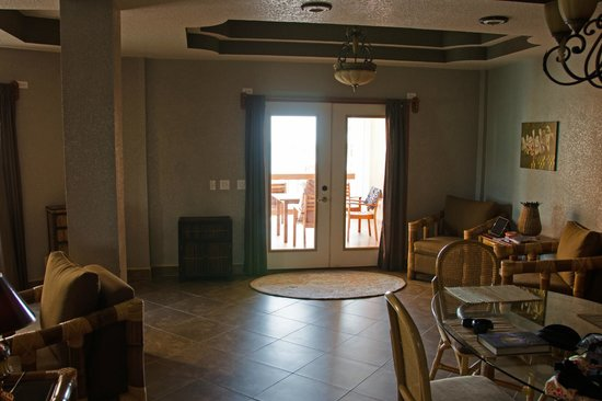 Athens Gate Beach Resort: room1