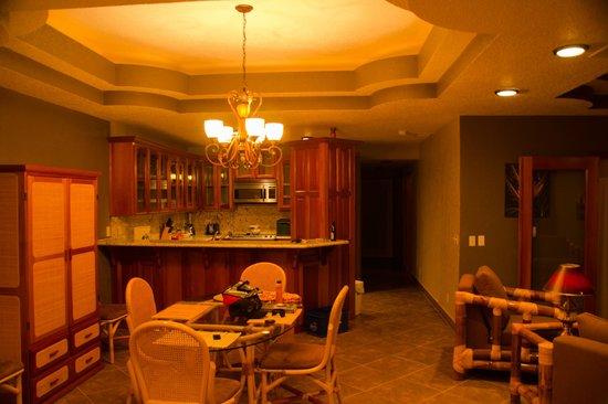 Athens Gate Beach Resort : room3