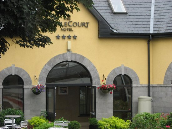 The Castlecourt Hotel: As we entered