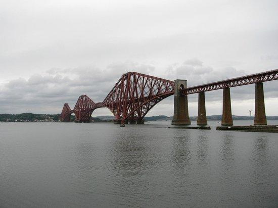 The Hairy Coo - Free Scottish Highlands Tour: Forth Rail Bridge