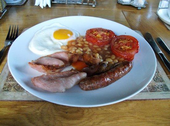 Honeysuckle Cottage Bed & Breakfast: Lovely Breakfast