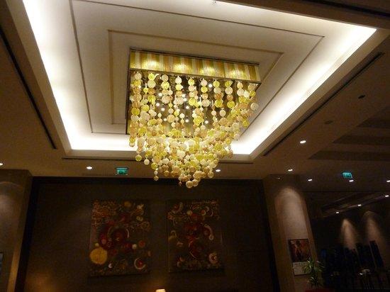 Lampadario Per Ingresso : Lampadario ingresso foto di titanic business kartal istanbul