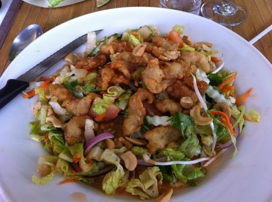 Thai Savanh': Salade Thaï avec Beignets de poissons